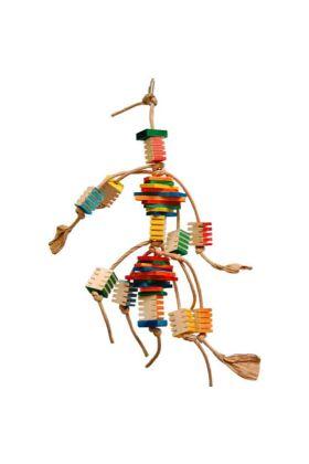 Deze Zoo-Max Groovy Frita is een fantastisch speeltje voor de papegaaien die graag aan hout knagen en het leuk vinden dit te slopen.